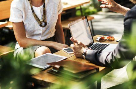 Ile oraz w jaki sposób zarabia doradca kredytowy?