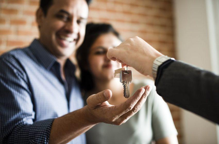 Inwestycje w nieruchomość - lepiej kupić działkę czy mieszkanie
