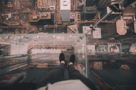 Szklana podłoga w domu – na co zwrócić uwagę?