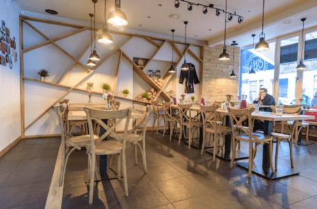 Krzesła restauracyjne z Radomska