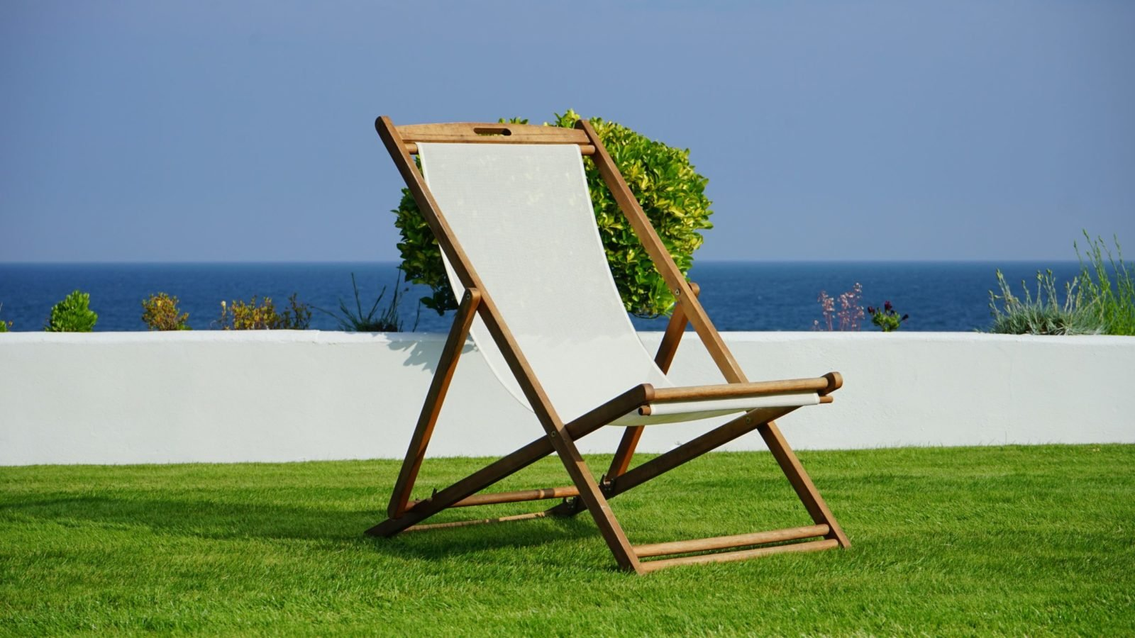 Sztuczna trawa – gdzie sprawdzi się najlepiej?