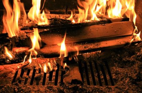 Ekologiczny kominek w domu – czy to możliwe?