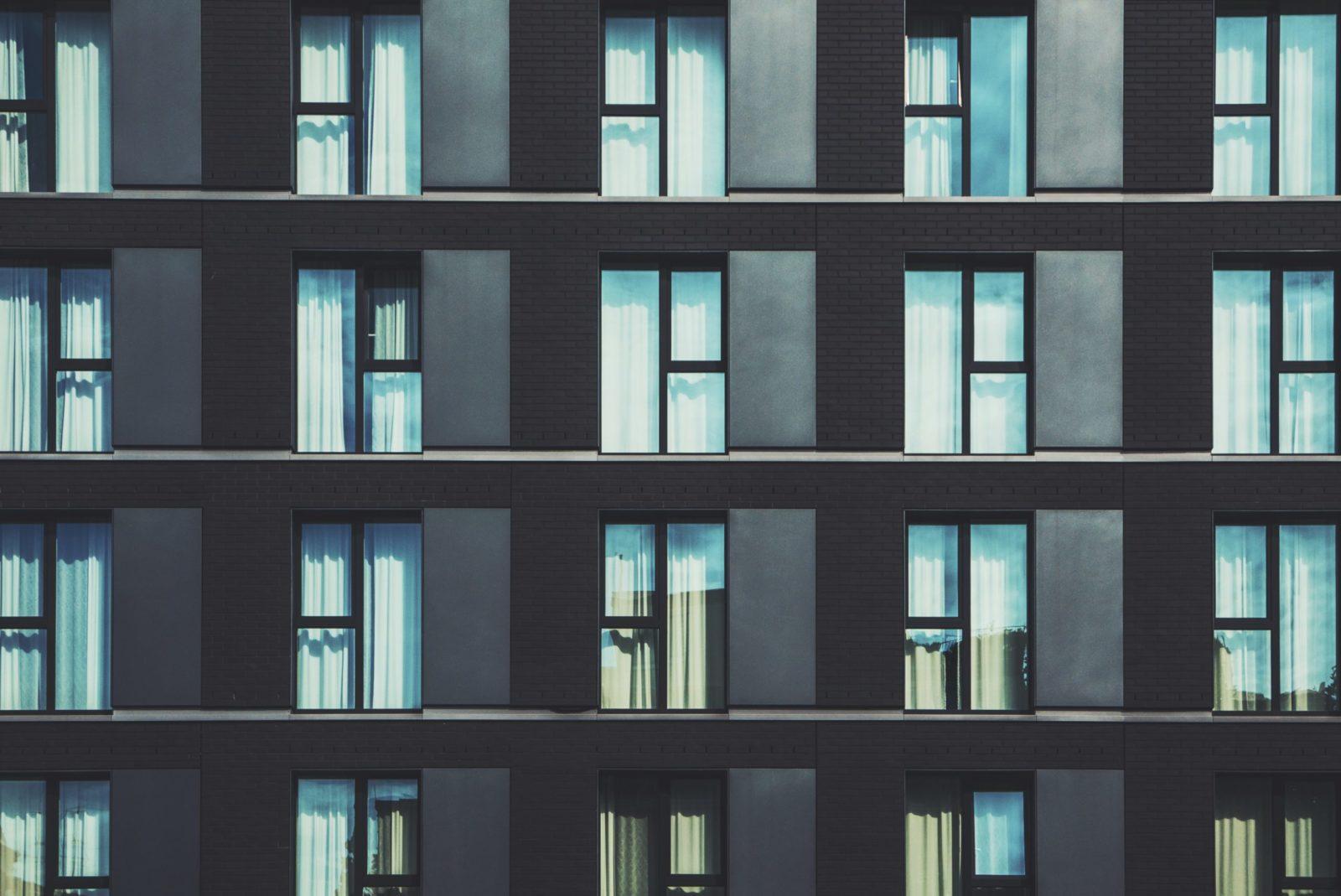 Okna Warszawa – jakie wybrać do swoich potrzeb