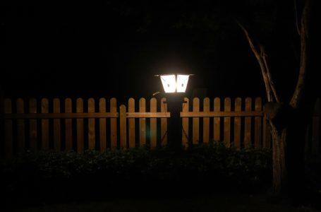Lampy ogrodowe i kinkiety to Twoja inwestycja w bezpieczeństwo i lepsze oświetlenie ogrodu lub podwórka