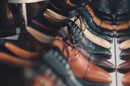 Szafka na buty – jaką wybrać? Z siedziskiem, wieszakiem czy też wąską?
