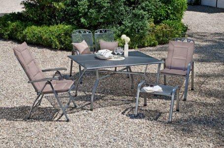 Czy warto wybrać meble metalowe do ogrodu?
