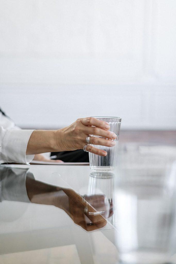 Czy dystrybutor do wody w domu to dobre rozwiązanie?