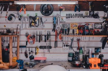 7 podstawowych narzędzi, które zawsze warto mieć w domu